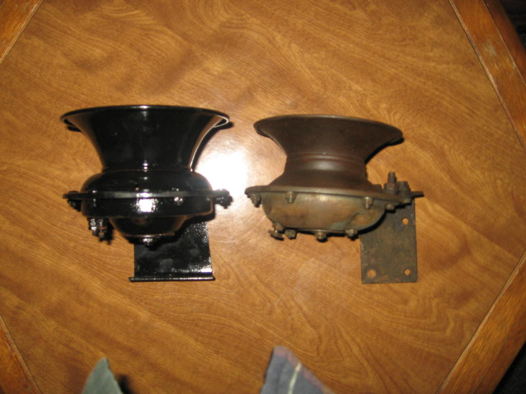 Horn And Bracket